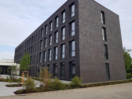 Architekturbüro Arlt, Gewerbeobjekt, Bürogebäude in Mönchengladbach, Grünzonen an der Rückseite